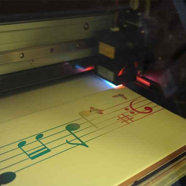 UV-nyomtatás illusztráció